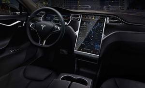 安全隐患+违法 中看不中用的车内触控屏究竟该不该取消?