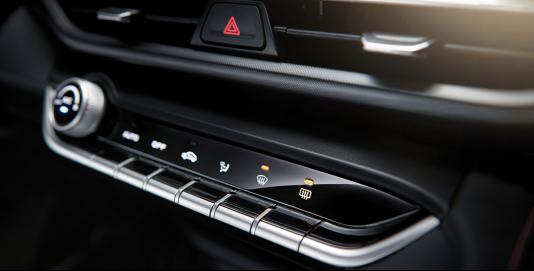 2.12-软文2-2020年新车计划:长安首款PLUS轿车逸动PLUS打头阵(1)1467.png