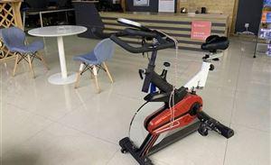 除了免费宿舍,蓝鹰网约车给司机配备健身房?